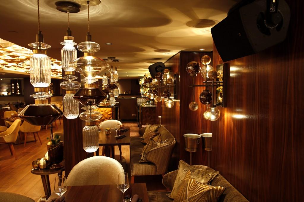 light hotel luxury design