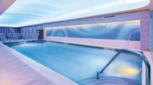 sicis pool mosaic marriott